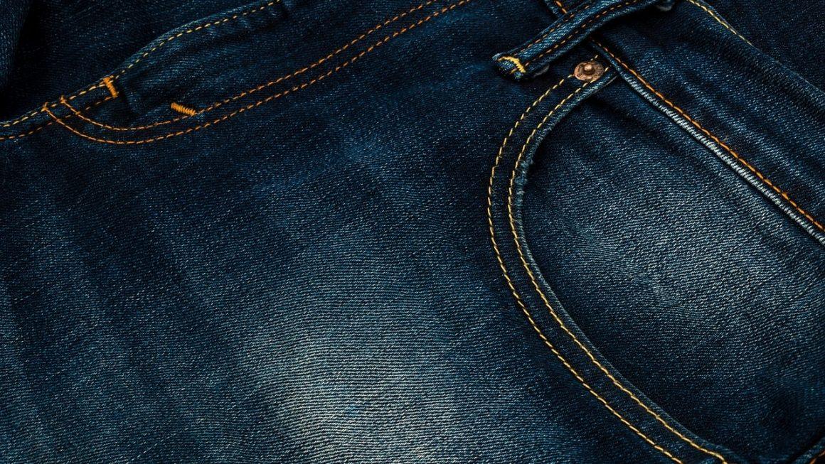 délavage léger d'un jean