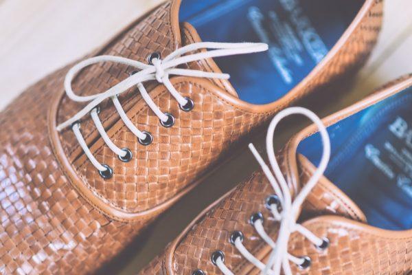 Comment changer les lacets de chaussures italiennes?