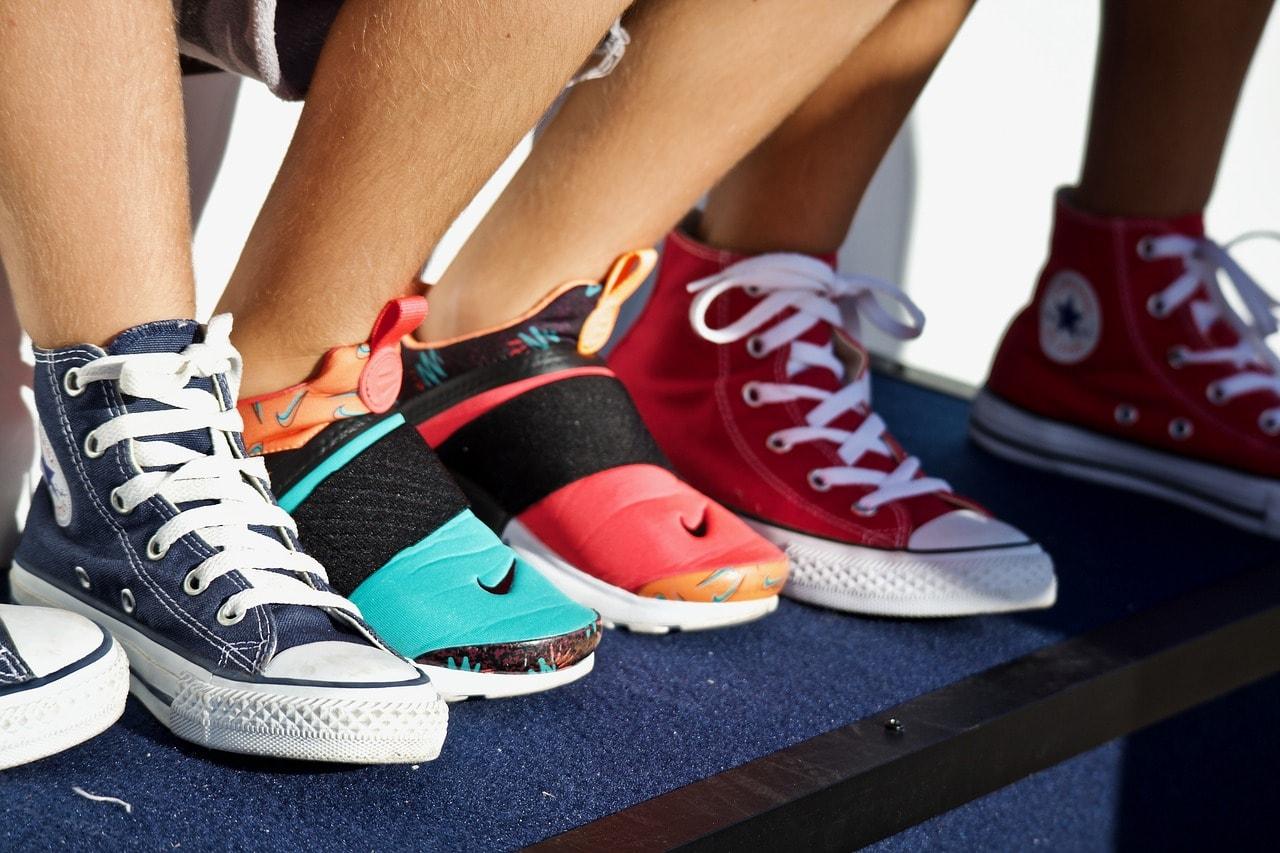 Comment customiser des baskets pour homme?