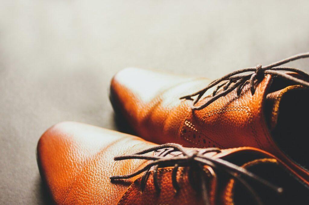 chaussure bout carré