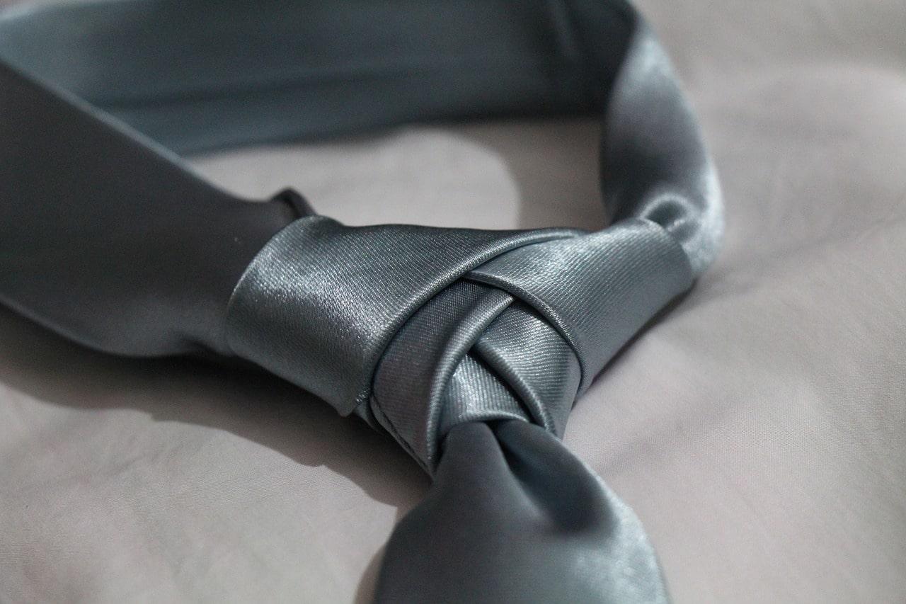 Choisir une cravate homme en soie