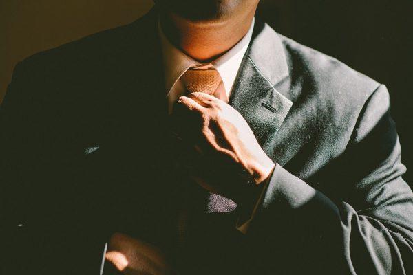 Comment nouer une cravate homme ?