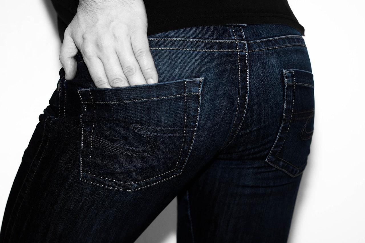 La différence entre jean skinny et slim