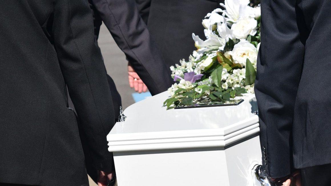 vêtement pour enterrement