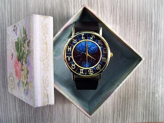boite à montre en carton